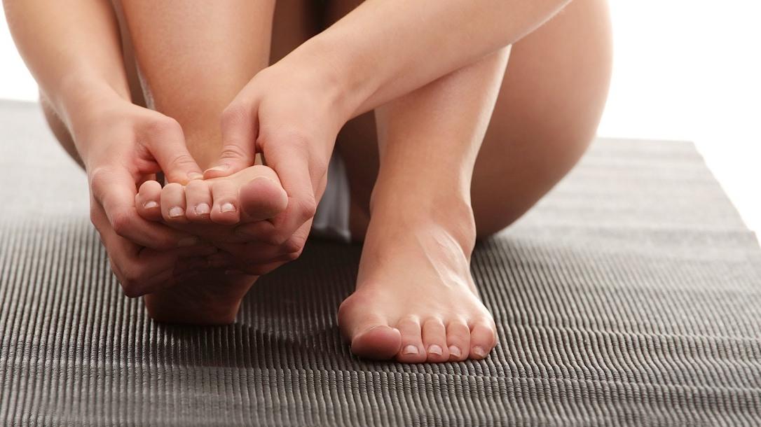 yoga-mat-foot-cramp